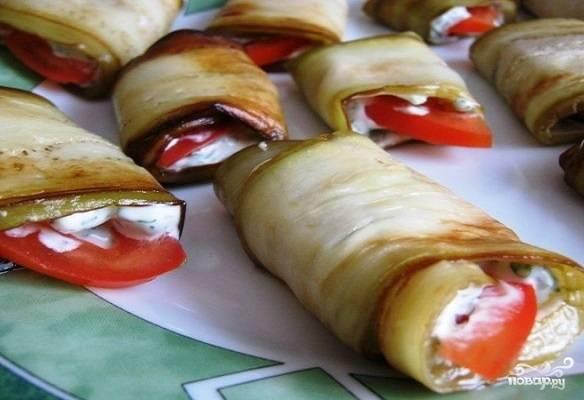 Жареные баклажаны с сыром и чесноком