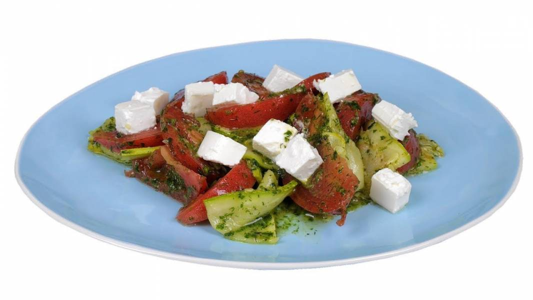 Салат из кабачков под зеленой заправкой