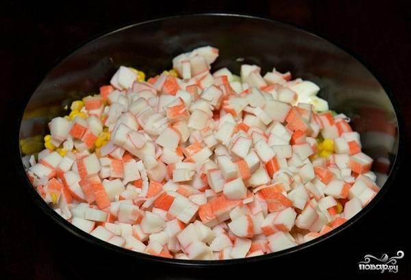 Крабовый салат с огурцом без риса - пошаговый рецепт