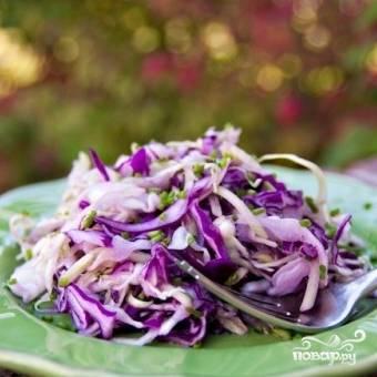 Салат из двух видов капусты и огурцов - пошаговый рецепт