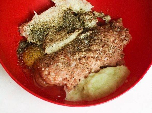 Котлеты в сухарях в духовке - пошаговый рецепт с фото на