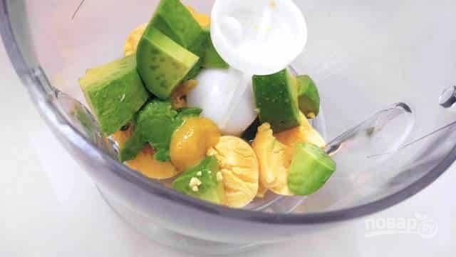 Фаршированные яйца с гуакамоле - пошаговый рецепт