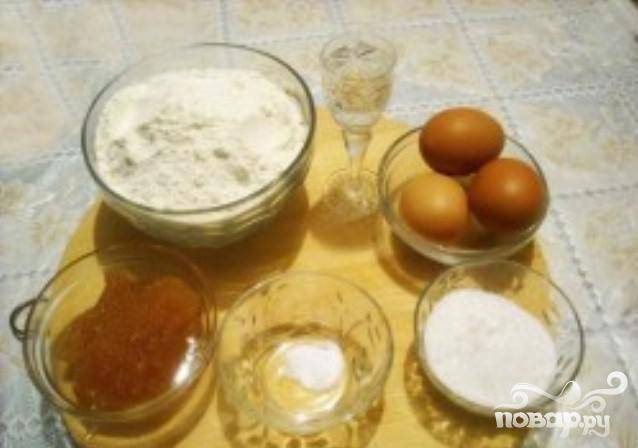 1. Подготавливаем все продукты и ингредиенты. Теперь вы будете знать - как приготовить настоящий чак чак.