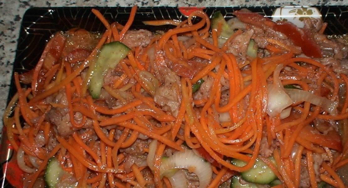 Сочетание остро-кислого хе из мяса в луковом соусе, вызывает бешеный аппетит.