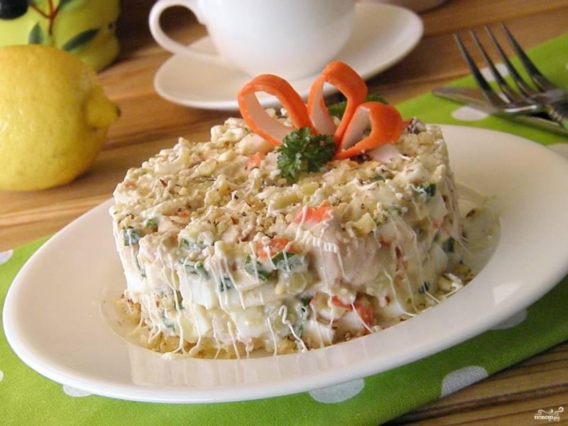 Салат из крабовых палочек и печени трески