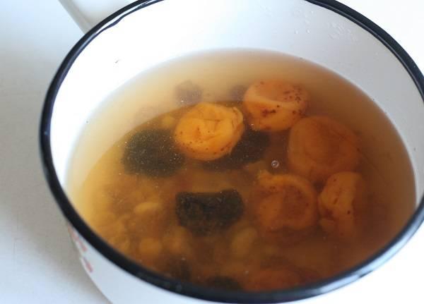 Компот из чернослива и изюма - пошаговый рецепт с фото на
