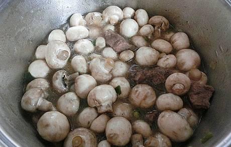 Говядина с грибами и сыром - пошаговый рецепт