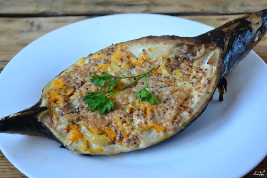 Рыба под соусом с овощами