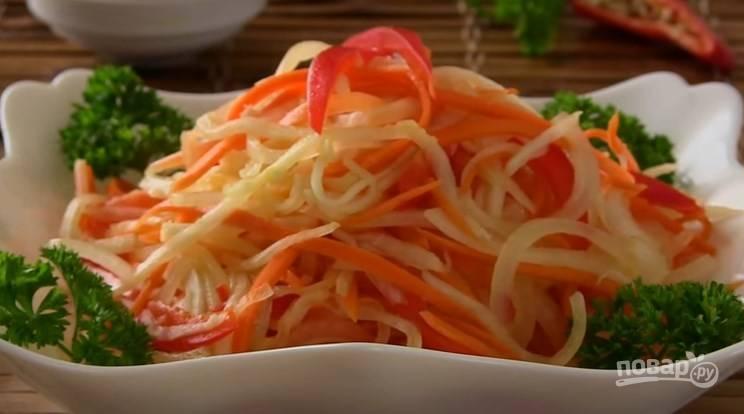 Острый овощной салат из дайкона