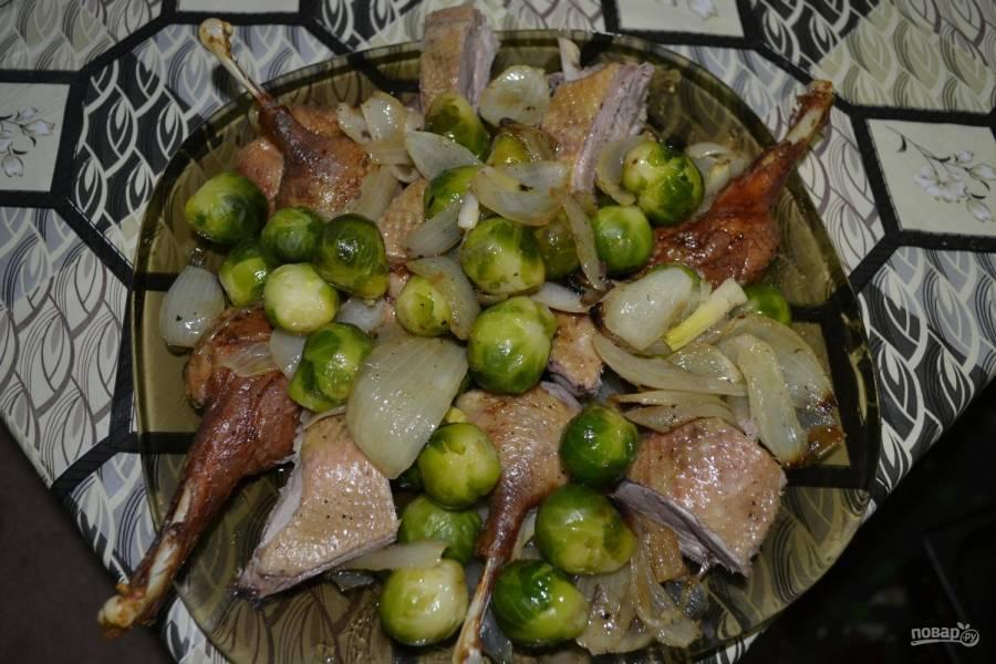 Ароматная утка с брюссельской капустой