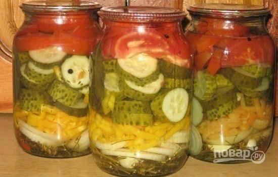 Салат с огурцами и помидорами на зиму
