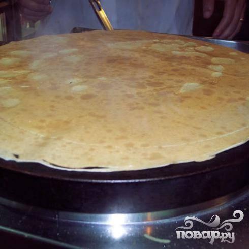 Для приготовления этих блинов идеально подойдет специальная плита (в народе - Блинница).