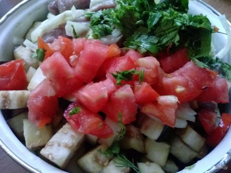 8. Отправляем все овощи в глубокую посуду, где будем их смешивать.