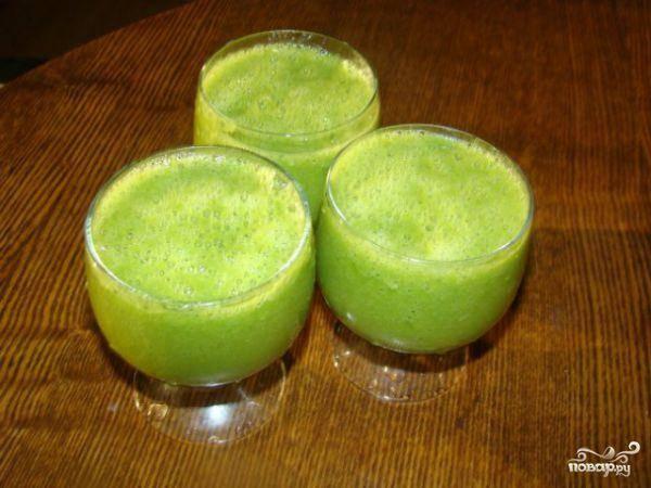 Томатный коктейль с авокадо