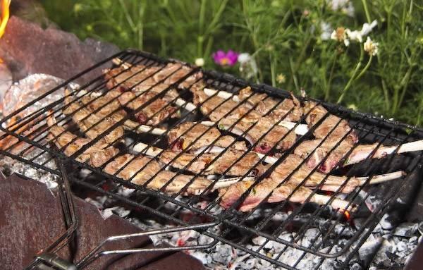 Запеченная телятина в фольге на мангале - пошаговый рецепт