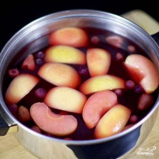 Фруктово-ягодный компот - пошаговый рецепт