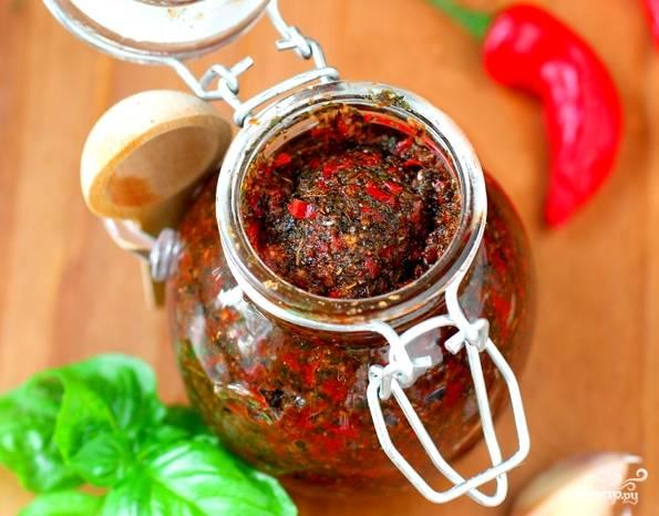 Аджика из острого перца на зиму - пошаговый рецепт