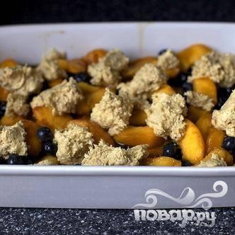 Коблер с персиками и черникой - пошаговый рецепт с фото на