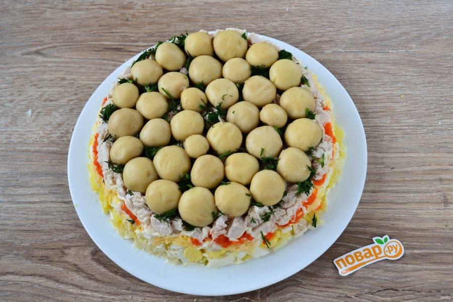Салат «Грибная поляна» готов! Его можно сразу подавать к столу! Приятного аппетита!