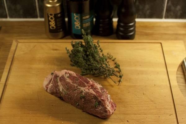 Антрекот из свинины на сковороде - пошаговый рецепт