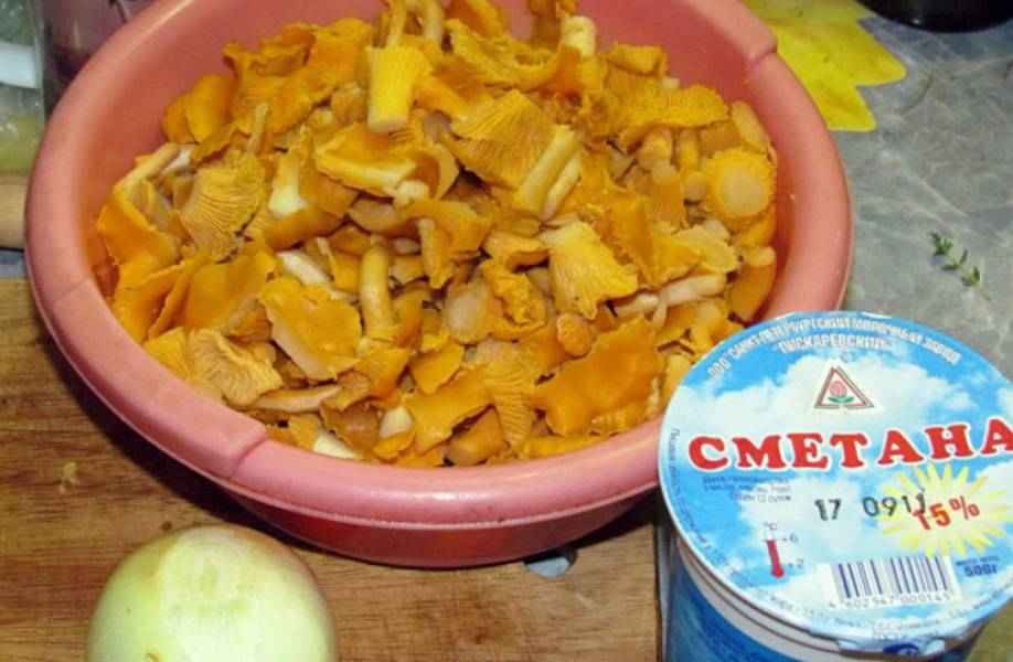 Лисички в сметанном соусе - пошаговый рецепт