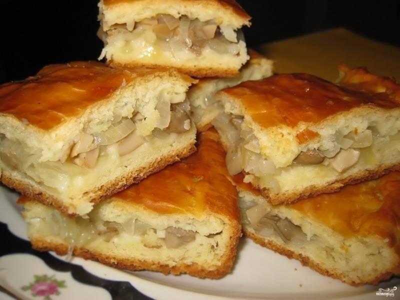 Пирог с солеными груздями