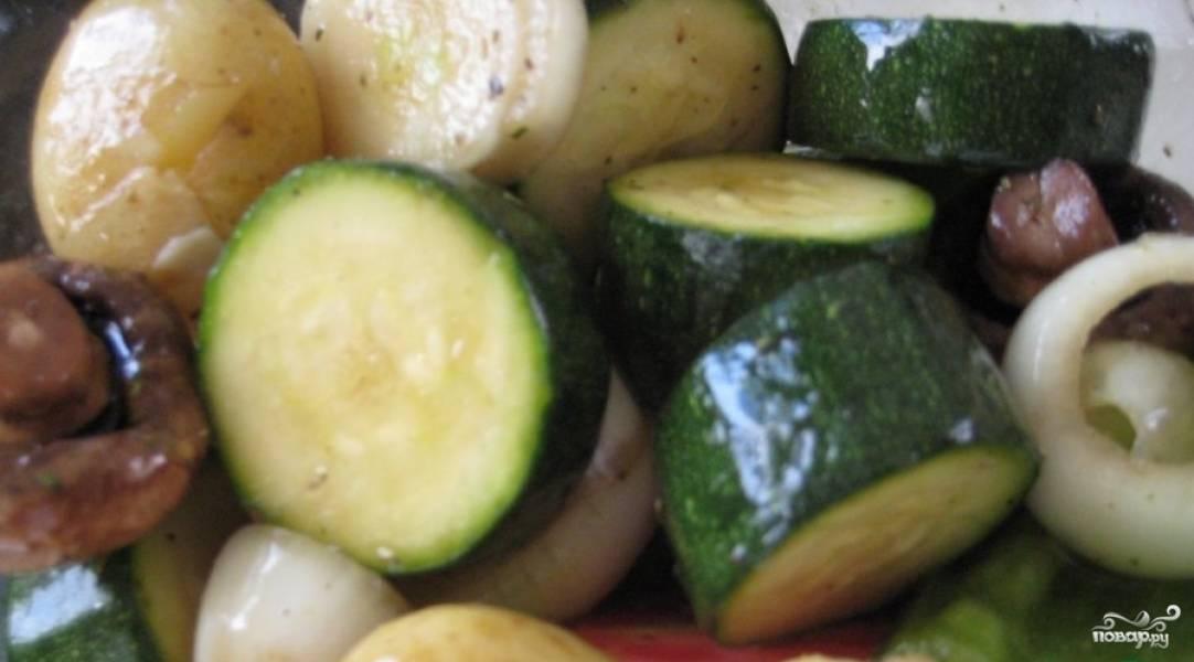 По желанию можно добавить к овощам и отварной картофель - лично мне очень нравится.