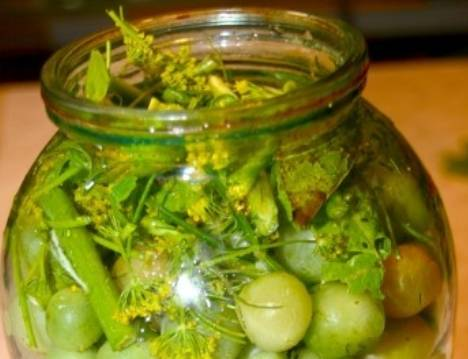 Засолка зелёных помидоров холодным способом - пошаговый рецепт
