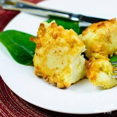 8. Подавайте жареную цветную капусту с любимым соусом или майонезом. Приятного аппетита!