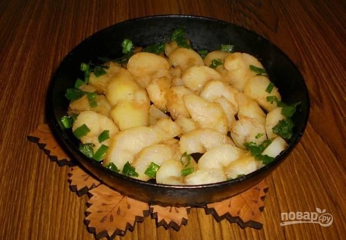 Картофель, запеченный в соевом соусе с чесноком - пошаговый рецепт