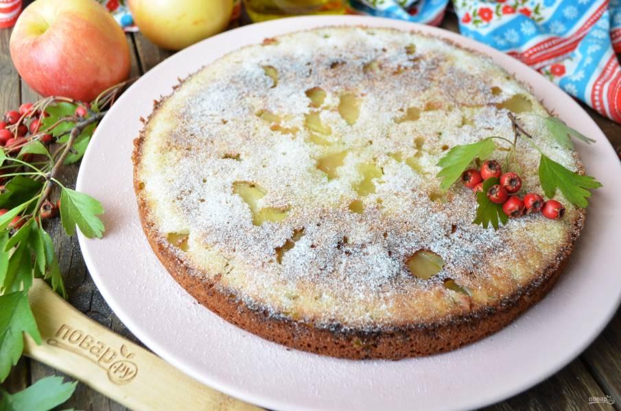 Пирог из кабачков и яблок