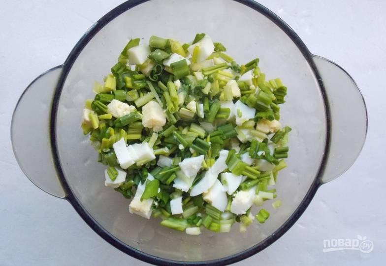 Салат с черемшой и яйцом - пошаговый рецепт с фото на