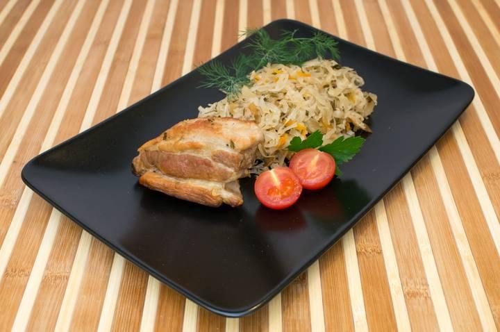 Капуста, тушеная со свиными ребрышками - пошаговый рецепт