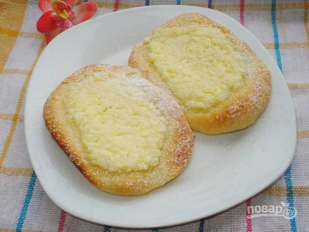Дрожжевое тесто с творогом в духовке - пошаговый рецепт