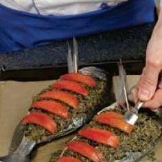 Дорада в средиземноморском стиле с тапенадом - пошаговый рецепт