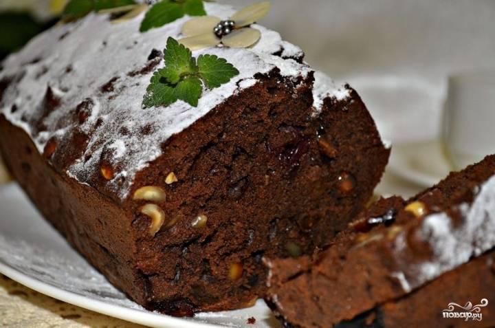 Шоколадный кекс с изюмом