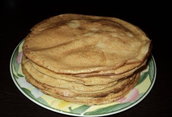7. Если использовать две сковороды, то процесс жарки пройдет довольно быстро.