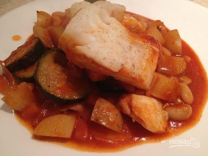 Рыба в горшочке с овощами