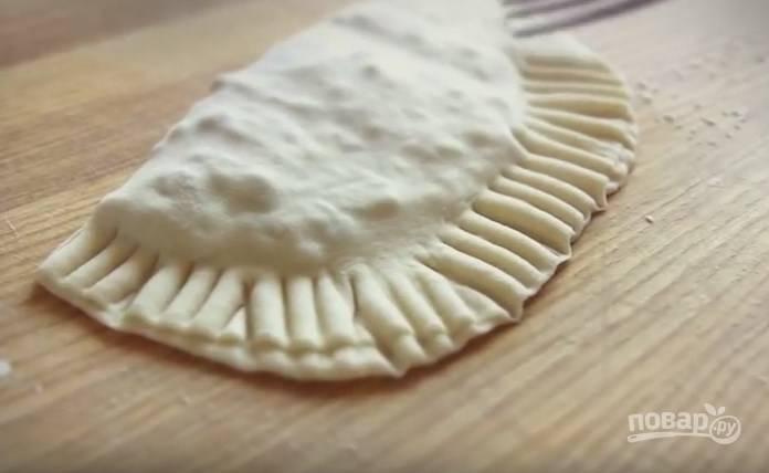 Чебуреки постные с грибами и гречкой - пошаговый рецепт