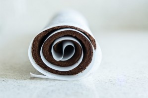 Швейцарский шоколадный рулет - фото шаг 6