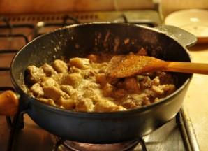 Мясо кусочками на сковороде - фото шаг 6