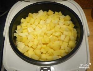 Тушеная картошка с курицей и грибами - фото шаг 5