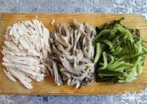 Салат с вешенками и курицей - фото шаг 4