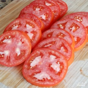Пирог из слоеного теста с помидорами и базиликом - фото шаг 13