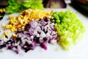 Куриный салат с сыром фета и кукурузой - фото шаг 3