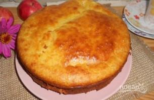 Пирог с яблоками и творожной начинкой - фото шаг 8