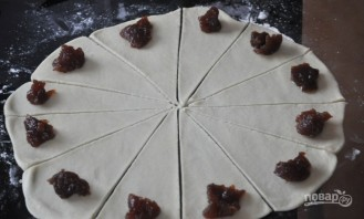 Рогалики с повидлом на маргарине - фото шаг 4