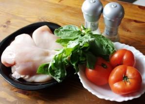 Куриная грудка с помидорами - фото шаг 1