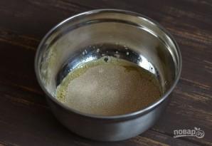 Дрожжевые блины на кислом молоке - фото шаг 3