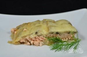 Красная рыба с грибами в духовке - фото шаг 5